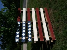 American Flag Pallet... Love this for an idea for church that I have!!