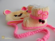 Hey, I found this really awesome Etsy listing at https://www.etsy.com/ru/listing/216202536/newborn-knitted-baby-booties-and-hat
