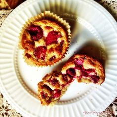 Banana Raspberry Muffins from Quirky Cooking Dairy Free Recipes, My Recipes, Whole Food Recipes, Snack Recipes, Gluten Free, Impossible Cake, Quirky Cooking, Banana And Egg, Raspberry Muffins