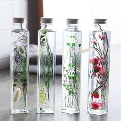 Healing Bottle ハーバリウム/植物標本 Bottle Design, Flower Bottle, Flower Vases, Flower Arrangements, Plants In Bottles, Floating Flowers, How To Preserve Flowers, Dried Flowers, Jelsa