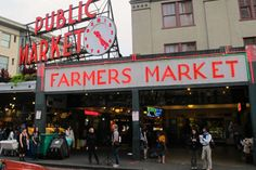 THE place for food in Seattle, Pike Place Market dates back to 1907, when farmers parked their wagons next to Elliott Bay and sold fresh produce. Today, the market spreads over 9 acres and features more than 70 eateries. - See more at: http://travelcuriousoften.com/january15-food-quest.php#sthash.EGxTjrDI.dpuf