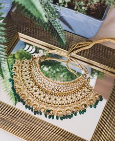 Crystal Jewelry For Your Bridal Anklet - Jewelry Springs Pakistani Jewelry, Indian Wedding Jewelry, Bridal Jewelry, Indian Bridal, Indian Weddings, Rajputi Jewellery, Indian Accessories, India Jewelry, Jewelry Sets