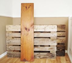 This might be the simplest & most stunning use for pallets yet!