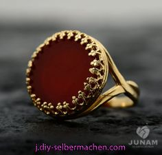 Red Carnelian Ring Gold Plated Designer Band By JunamJewelry Antique Jewellery Designs, Gold Ring Designs, Gold Earrings Designs, Gold Jewellery Design, Necklace Designs, Gold Jewelry Simple, Gold Rings Jewelry, Silver Claddagh Ring, Indian Jewelry