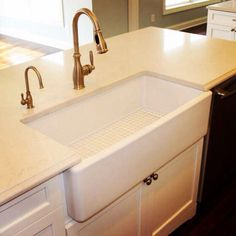 Farmhouse sink in Country Club Estates!