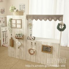 Playhouse cafe with color box - New Kitchen Decoration Kids Play Spaces, Kids Play Kitchen, Cubby Houses, Play Houses, Diy Karton, Kids Cafe, Vintage Kitchen Decor, Toy Rooms, Color Box