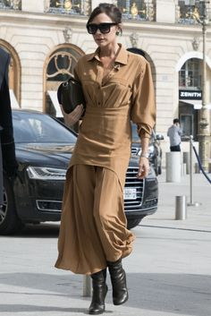 8 lezioni di stile che abbiamo imparato da Victoria Beckham guardando i suoi look