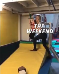 The perfect Funny Monday Weekend Animated GIF for your conversation. Discover and Share the best GIFs on Tenor. Weekend Gif, Weekend Humor, Monday Humor, Epic Fail Pictures, Cool Pictures, Gifs, Weekender, Mood Gif, Funny Vines
