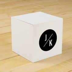 Simple monochrome circle wedding favor box - craft supplies diy custom design supply special