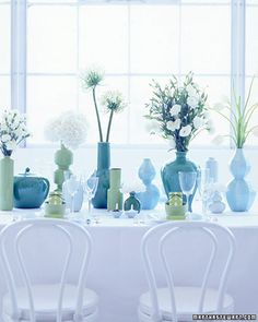 Blue and green table setting. Blue Green Rooms, Blue Walls, Decorating Above Kitchen Cabinets, Color Of The Week, Layout, Color Azul, Color Combos, Color Pop, Home Projects