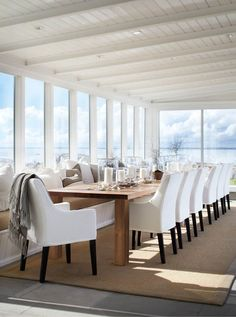 Dreamy dining by the sea ©Slettvoll