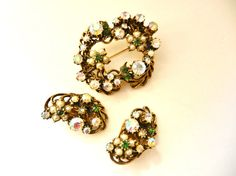 Captivating Classic by Florenza brooch and by RAKcreations on Etsy