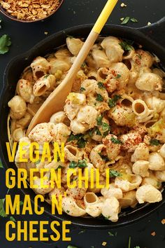 Vegan Green Chili mac n Cheese! minimalistbaker.com #vegan  #vegan #restaurant #reviews