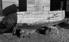-barca di legno, vecchia,forata....in vendita