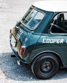 our random crap — Plum Crazy Purple Mini Cooper Classic, Mini Cooper S, Classic Mini, Classic Cars, Fiat 500, Car In The World, Sport Cars, Vintage Cars, Cool Cars