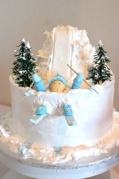 cake decoration ideas, cake, christmas cake decorating ideas Sledding instead of skiing Christmas Cake Decorations, Holiday Cakes, Christmas Treats, Christmas Baking, Christmas Cakes, Christmas Cake Designs, Funny Christmas, Crazy Cakes, Beautiful Cakes
