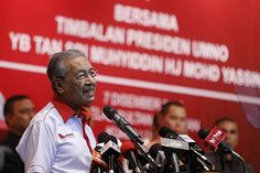Dr M: Beggars in our own country if Najib stays - http://malaysianreview.com/150943/dr-mahathir-najib/