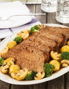 Encontre Receita de Coxão duro de panela com legumes e saiba como fazer carne na panela de pressão. Faça cursos e aprenda receitas na Academia da Carne