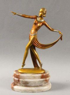 JOSEF LORENZLWien 1892 - 1950 Art Deco dancer. Colored painted bronze figure on alabaster base. H. - sculptures, installations, bronzes, Relief