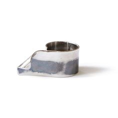 Silver Lining | Maria Novaes Marilyn | ring | 2016 | silver, oxide | 25xx33x15mm