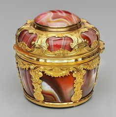 Snuff box in the form of a basket mounted with a timepiece  Culture: English Date: about 1765  -  Museum of Fine Arts, Boston