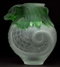 LALIQUE GLASS VASE: IMPERIAL GREEN DRAGON . France, post 1945.