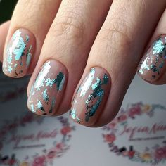 False nails have the advantage of offering a manicure worthy of the most advanced backstage and to hold longer than a simple nail polish. The problem is how to remove them without damaging your nails. Foil Nail Designs, Orange Nail Designs, Winter Nail Designs, Art Designs, Foil Nail Art, Foil Nails, Nails With Foil, Gelish Nails, My Nails
