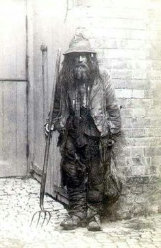 Here's a forgotten legend of days gone by. A night soil man who used to take away human waste to be used in fertilizer. Dunston, Lincolnshire, England 1872