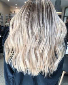 "231 Likes, 2 Comments - Hair By Nikki O (@hairbynikkio) on Instagram: ""Sunday love ❤️ #sundayvibes #behindthechair #hairbynikkio #blondehair #blonde #balayage #livedin…"""
