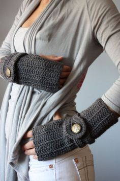 These look super cozy for fall/winter, plus I like the open fingers for easy iphone access...