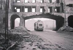 Plac Krasińskich,  sądy przy Bonifraterskiej ok.. 1947