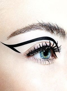 Beautiful and Creative Eyeliner designs is a collection of fashion photography that showcases some very innovative designs in Eyeliner make up to inspire. Eyeliner Designs, Eyeliner Styles, Best Eyeliner, Black Eyeliner, Eyeliner Ideas, Makeup Inspo, Makeup Art, Beauty Makeup, Hair Makeup