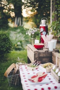 Nothing beats a beautiful pic nic! #garden #getaway