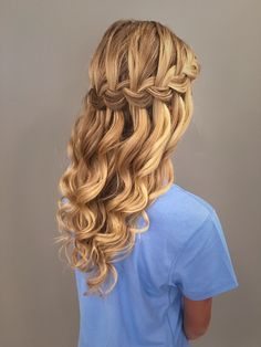 Waterfall braid with mermaid waves! Great bridal, prom, or homecoming hairstyle. #homecominghairstyles