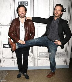 60 Meilleures Build Series Presents Rob Benedict And Richard Speight Jr Discussing The Kings Of Con Photos et images Rob Benedict, Amazing People, Good People, Kings Of Con, Matt Cohen, Richard Speight, Supernatural Actors, Jensen And Misha, Mark Sheppard