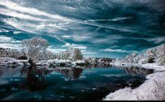 Earth - reflection Wallpaper