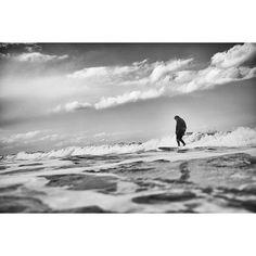 Surf life. Photo by PAK OK SUN. . #pakoksun #photo #photographer #surf #surfin #sea #creator #🏄🏽 #chic #japan #windy #wave #earth
