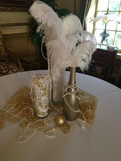 Latest New Years Eve Party Decoration That Look Expensive 38 Great Gatsby Party Decorations, Great Gatsby Themed Party, Masquerade Party Decorations, Masquerade Theme, Great Gatsby Wedding, 1920s Wedding, 20s Theme Parties, Wedding Veils, 1920s Party Themes