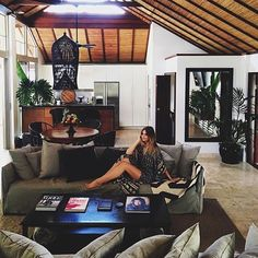 Chill out time with @tuulavintage relaxing in our in house Spell robe at The Villas .... Thanks for your support Jessica ❤️ #thevillasofbyron