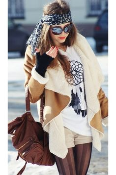 BOHEMIAN STYLE FOR EVERYDAY IN WINTER can't get jiggy with the jacket.. I could grow on it.