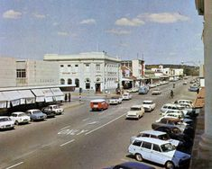 Rhodesia, Gwelo (now Zimbabwe, Gweru) city centre Zimbabwe History, Devon Uk, Victoria Falls, Places Of Interest, Homeland, Continents, South Africa, The Good Place, Places To Go