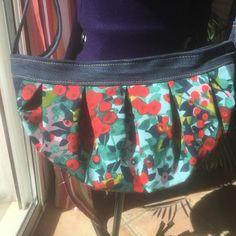 Julia Piveteau sur Instagram: Ça y est j'ai fini mon nouveau sac !!!! Il est trop beau, dans le thème de la saison avec ses couleurs printanières Bon il va rester au…