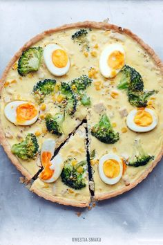 {Tart with Chicken, Broccoli and Eggs} Tarta z kurczakiem i brokułami - Przepis Healthy Snacks, Healthy Eating, Savory Tart, Dinner Tonight, Food Photo, Vegetable Pizza, Italian Recipes, Snack Recipes, Food And Drink