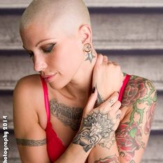 Rate her look from Bald Head Women, Shaved Head Women, Girls With Shaved Heads, Hand Tattoos, Girl Tattoos, Tattoos For Women, Bald Women Fashion, Buzzcut Girl, Shave Her Head