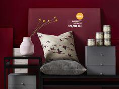Fă loc pentru noi momente de relaxare acasă, cu fața de pernă MAJBRITT. Ikea 2018, Throw Pillows, Ikea Portugal, Living Room, Bed, Flamingo, Home Decor, Good Ideas, Accessories