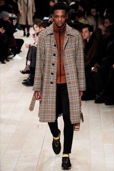 Sfilata Moda Uomo Burberry Londra - Autunno Inverno 2016-17 - Vogue