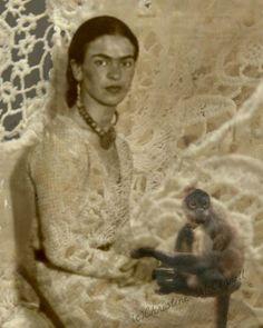 Frida Kahlo and her monkey.