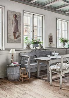 French / Nordic Style Jeanne d'arc Living  ~ lovingly repinned by www.skipperwoodhome.co.uk