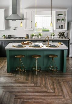 Outstanding modern kitchen room are offered on our site. Read more and you wont be sorry you did. Home Decor Kitchen, Kitchen Furniture, New Kitchen, Kitchen Ideas, Awesome Kitchen, Country Kitchen, Cheap Furniture, Kitchen Interior, Art Deco Kitchen