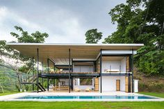 Movable wooden walls front Benjamin Garcia Saxe's Ocean Eye House – Industrial Design Tenerife Modern Tropical House, Tropical Houses, Tropical House Design, Houses In Costa Rica, Rest House, House 2, Casas Containers, Container House Plans, Steel House